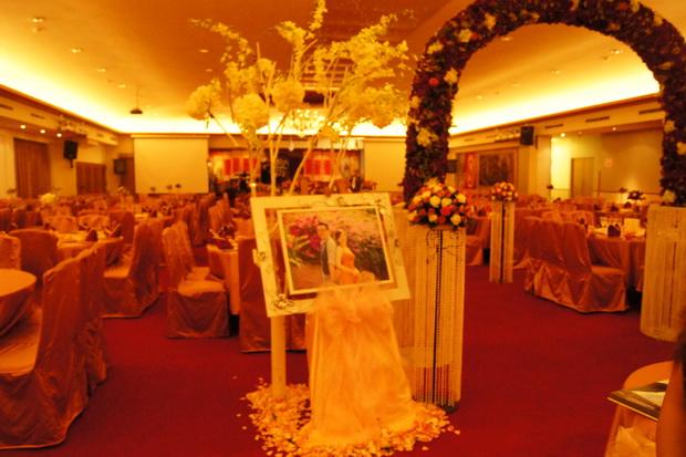 qq餐厅婚礼装饰_总理餐厅-宏升婚礼布置